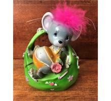 Копилка мышь в зеленой корзинке