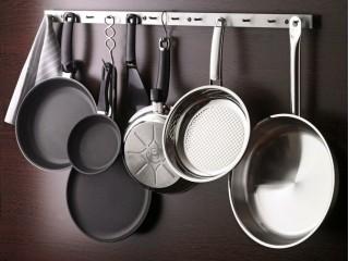 30% скидки на все сковороды и тарелки.